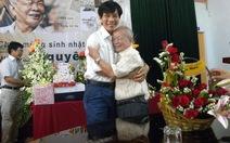 Nhà văn Nguyên Ngọc 80 tuổi vẫn bước trên đường xa