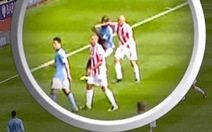 Thúc cùi chỏ Balotelli, Wilkinson bị treo giò ba trận