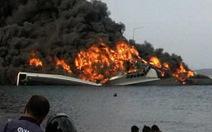 Tàu chiến tàng hình của Indonesia bốc cháy