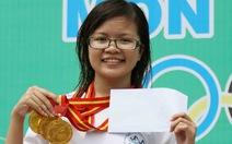 Kim Anh: bơi để chiến thắng bệnh tật