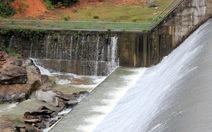 Lo đập thủy lợi tràn nước