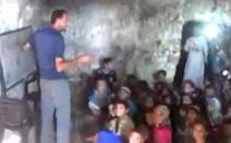 Lớp học trong hang núi tại Syria