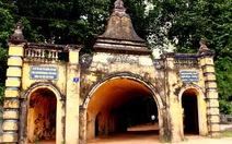 Thăm chùa Hang