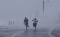 Bờ Đông nước Mỹ tê liệt trong bão Sandy