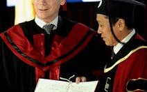 Chủ tịch Hội đồng châu Âu nhận bằng TS danh dự