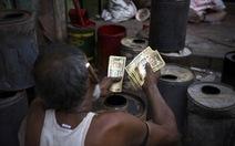 Ấn Độ trao tiền trợ cấp trực tiếp cho dân
