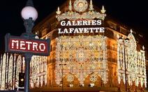 Pháp tắt đèn để tiết kiệm ngân sách