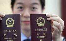 Philippines ngưng đóng dấu lên hộ chiếu mới của Trung Quốc