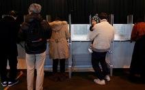 Nhật Bản hồi hộp chờ kết quả bầu cử