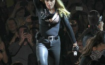 Tour diễn của Madonna doanh thu cao nhất 2012