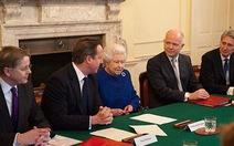 Nữ hoàng Anh lần đầu họp chính phủ sau 300 năm