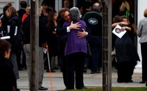 Mỹ tưởng niệm một tuần vụ xả súng ở Sandy Hook
