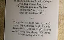 Joan Baez hát dưới mưa bom