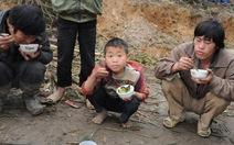 Không để trẻ nghèo bị đói