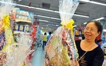 Phong phú giỏ quà Việt đón tết