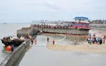 Trung Quốc: 15 tấn dầu thô tràn ra sông