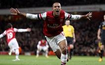 Arsenal ngược dòng cầm chân Liverpool