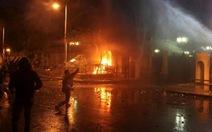 Đụng độ dữ dội ngoài dinh tổng thống Ai Cập