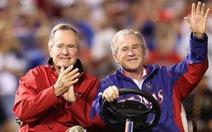 Hacker tung nhiều thông tin từ email nhà cựu tổng thống Bush