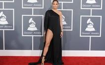 """Sao nữ lơ lệnh """"cấm khoe hàng"""" tại giải Grammy"""