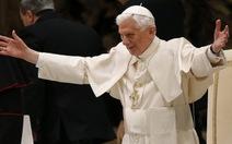 Hàng nghìn tín đồ chào từ biệt Giáo hoàng