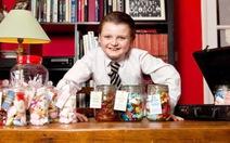 Doanh nhân 9 tuổi điều hành cửa hàng bán kẹo