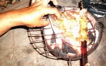 Ăn bánh tráng cuốn mắm ruốc ở Phan Thiết