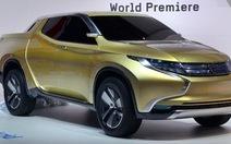 """Mitsubishi đã có """"xe lai"""" bán tải"""