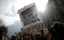 """Anh: biểu tình chống """"thuế phòng ngủ"""""""