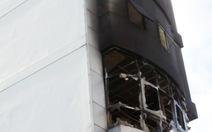 Cháy trường học, dân xung quanh trường hoảng hốt