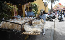 Bánh tráng khoai phố Hội