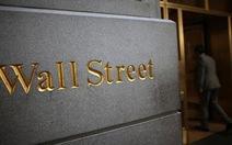 """Phố Wall nghiêng ngả khi """"gà nhà"""" lấy cắp dữ liệu Bloomberg"""