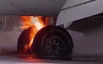 Máy bay Nga chở 136 người cháy dữ dội sau khi hạ cánh