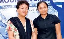 Người phụ nữ khuyết tật đầu tiên chinh phục đỉnh Everest