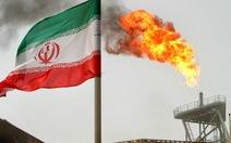 Mỹ cấm vận ngành hóa dầu Iran