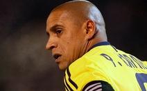 Hậu vệ Roberto Carlos tuyên bố giải nghệ