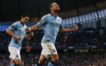 Hạ Stoke City, Man xanh tiếp tục bám đuổi Man đỏ