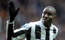 Chelsea ký hợp đồng với Demba Ba, Pato hồi hương
