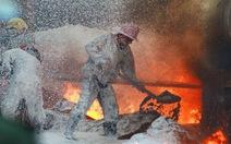 Quần áo chữa cháy chuyên dụng từ 100- 200 triệu đồng/bộ