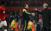 UEFA phạt Ferguson và M.U