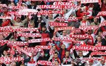 Áo Euro 2012 bị tố chứa hóa chất độc hại