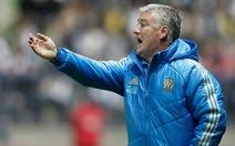 Mời HLV Deschamps dẫn dắt Chelsea