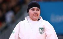 Nữ võ sĩ Hồi giáo bị lăng mạ vì... hở!