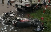 Vụ xe tải tông xe máy: cả gia đình tử nạn
