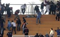 """Một CĐV thiệt mạng, Argentina """"cấm cửa"""" các CĐV bóng đá"""