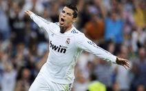 Lập hat-trick, Ronaldo đòi lại ngôi đầu