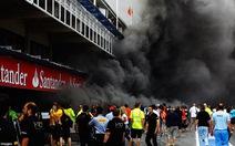 Cháy lớn ở gara đội Williams, 16 người bị thương