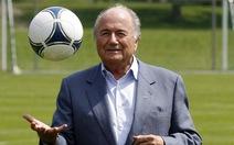 Blatter nên từ chức