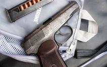 Bắt giữ hai nghi phạm giấu súng, đạn trong cốp xe