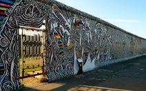 Tản bộ trên những tường thành lịch sử